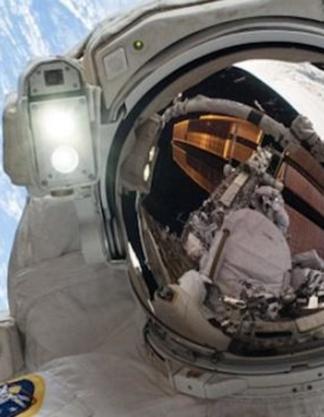 Astronaut Taking the Selfie to end all Selfies – No one cant' beat it! The Wowest selfie ever!